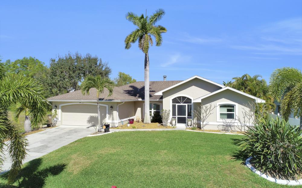 237 SE 2nd St, Cape Coral - Home For Sale 1445208430
