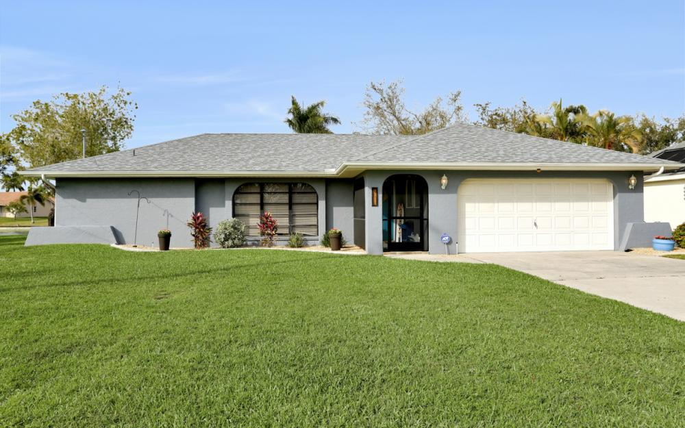 1019 SE 4th St Cape Coral - Home For Sale 981595433