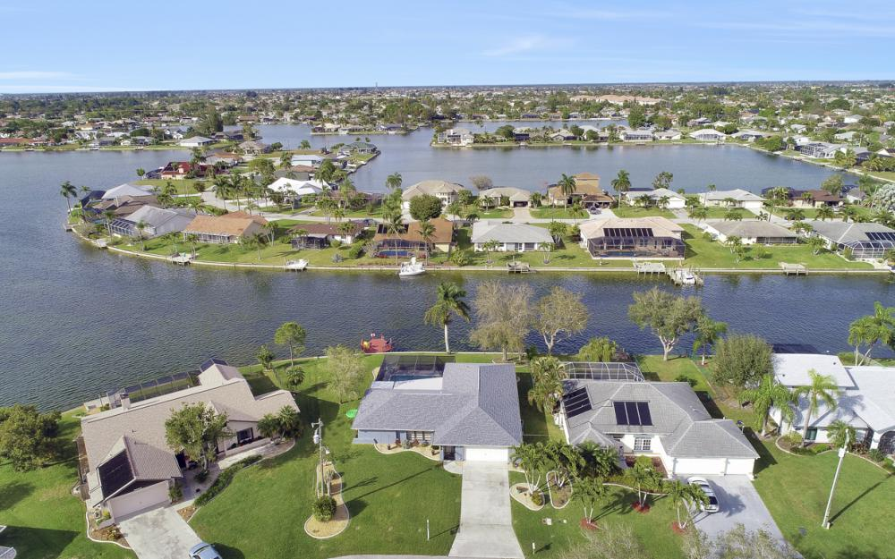 1019 SE 4th St Cape Coral - Home For Sale 2074667451