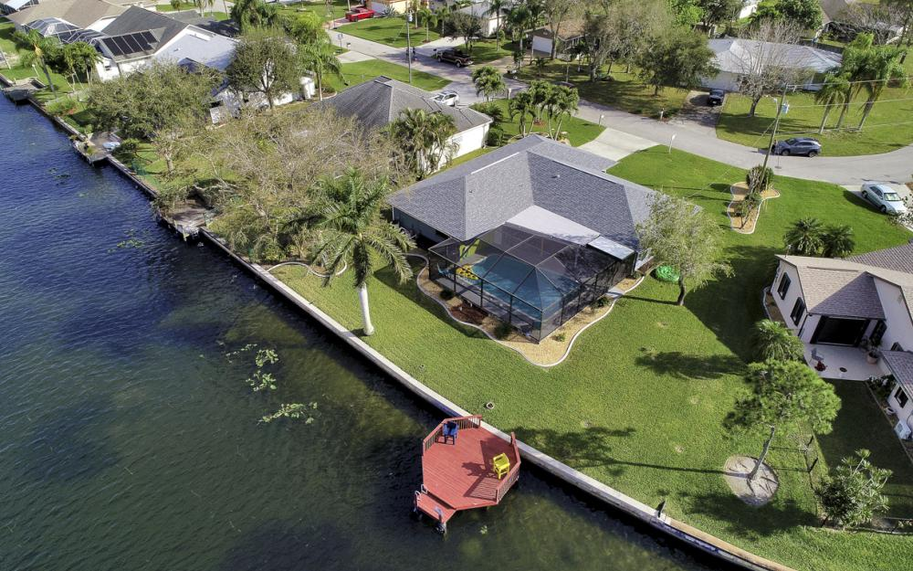 1019 SE 4th St Cape Coral - Home For Sale 1364357899