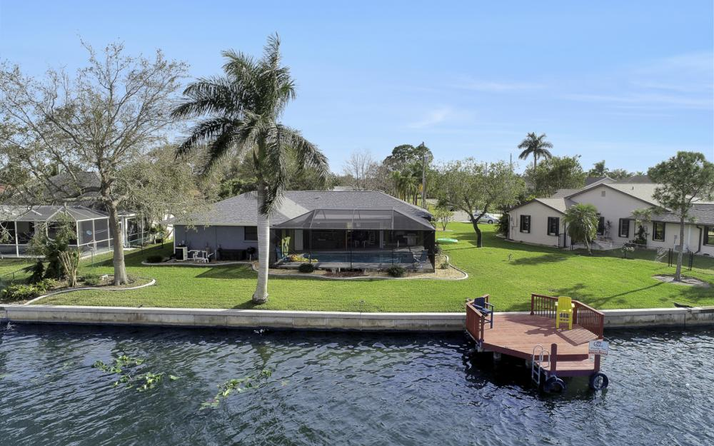 1019 SE 4th St Cape Coral - Home For Sale 137604018