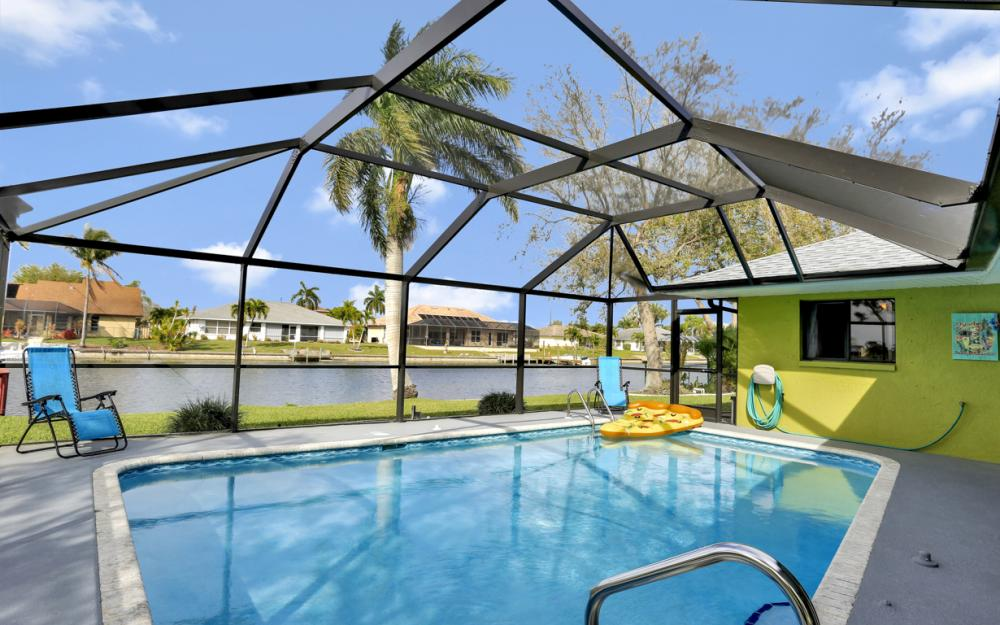 1019 SE 4th St Cape Coral - Home For Sale 1040443355