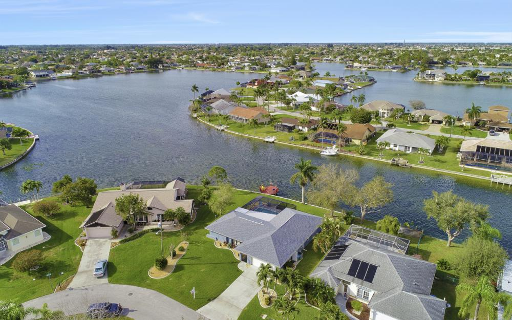1019 SE 4th St Cape Coral - Home For Sale 2108659722