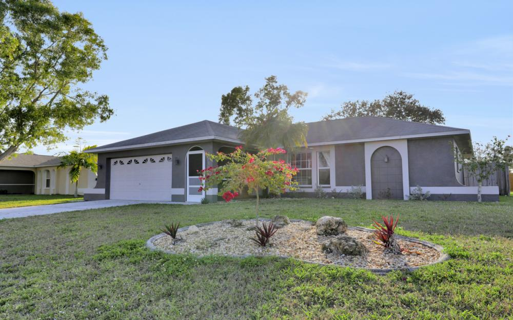 1914 SE 5th Ct, Cape Coral - Home For Sale 1256280141