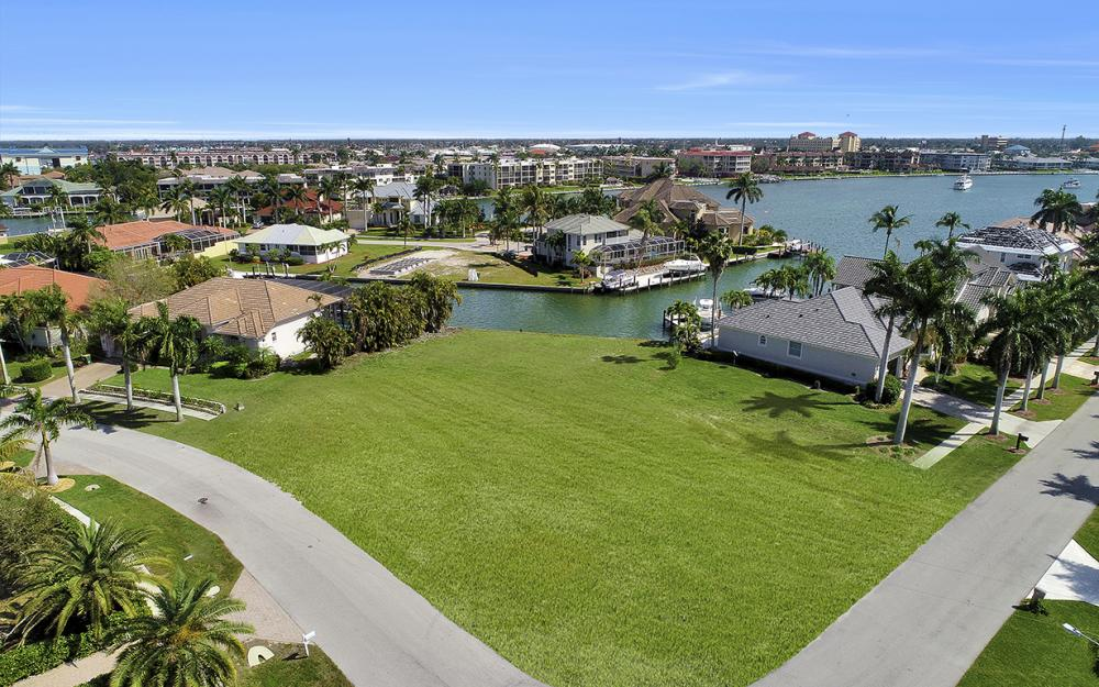 700 Rockport Ct, Marco Island - Lot For Sale 1010344370