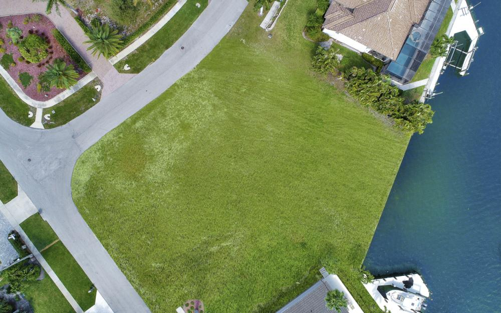 700 Rockport Ct, Marco Island - Lot For Sale 1133346063