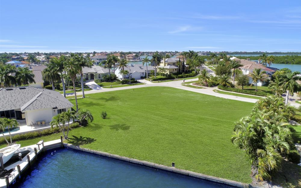 700 Rockport Ct, Marco Island - Lot For Sale 187227613