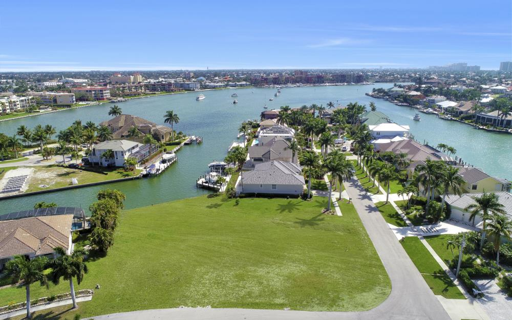 700 Rockport Ct, Marco Island - Lot For Sale 1291682336