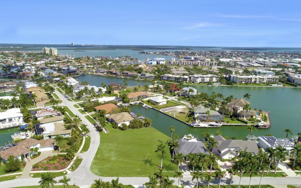 700 Rockport Ct, Marco Island - Lot For Sale 205425840