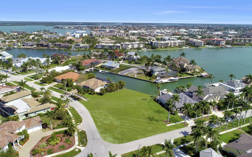 700 Rockport Ct, Marco Island - Lot For Sale 1964734445