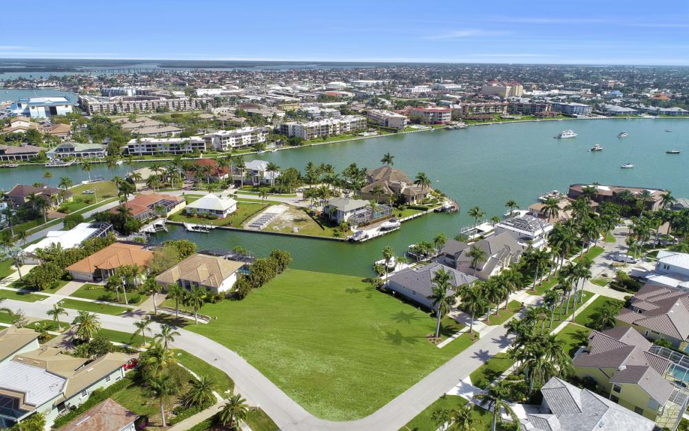 700 Rockport Ct, Marco Island - Lot For Sale 1429943332