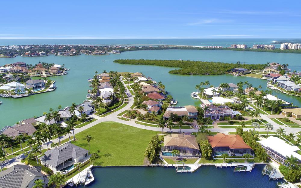700 Rockport Ct, Marco Island - Lot For Sale 1982506316