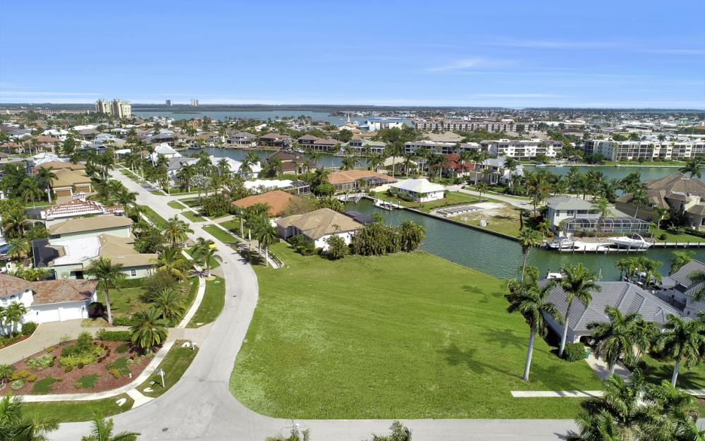 700 Rockport Ct, Marco Island - Lot For Sale 1822638943