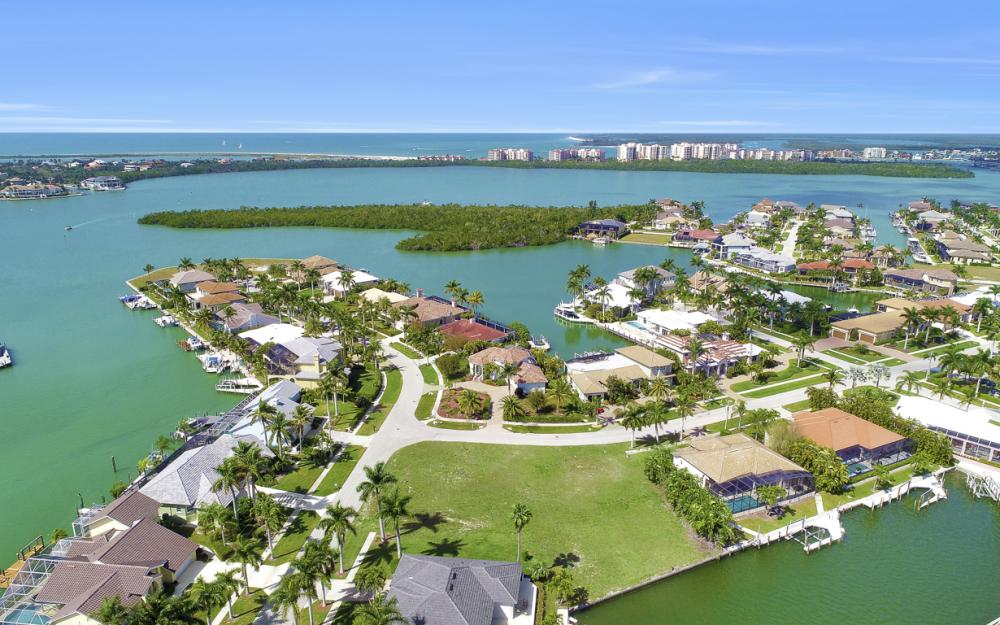 700 Rockport Ct, Marco Island - Lot For Sale 806334440