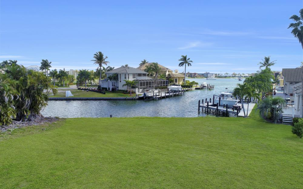 700 Rockport Ct, Marco Island - Lot For Sale 1941525763