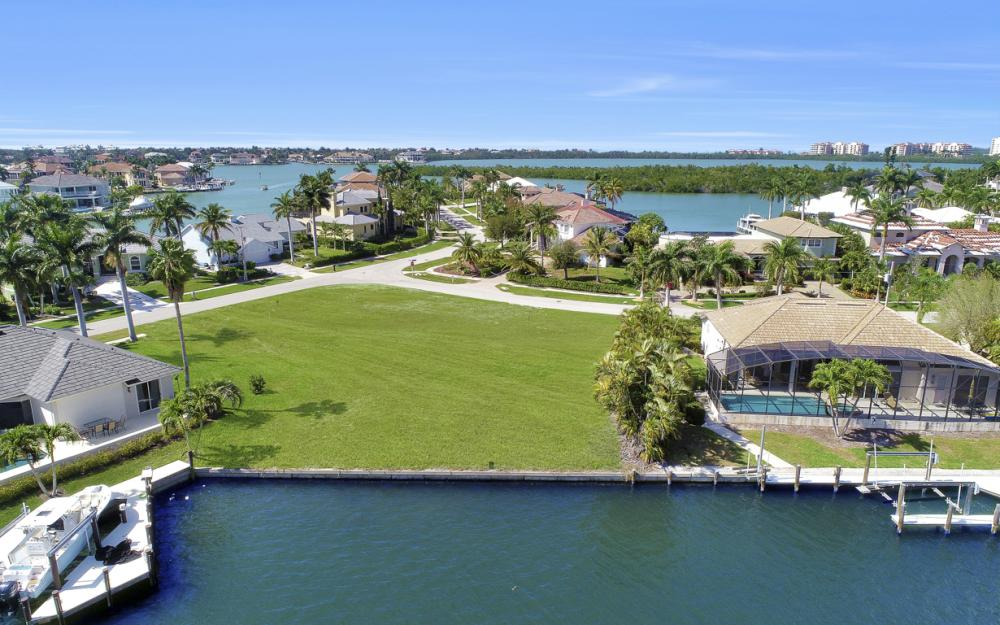 700 Rockport Ct, Marco Island - Lot For Sale 604240639