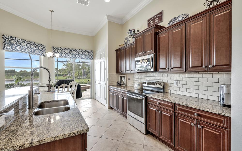 9746 Nickel Ridge Cir, Naples - Home For Sale 925888559