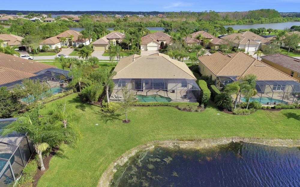 9746 Nickel Ridge Cir, Naples - Home For Sale 260319940