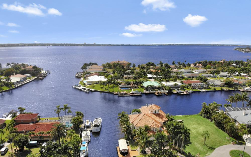5384 Colony Ct, Cape Coral - Home For Sale 1213874894