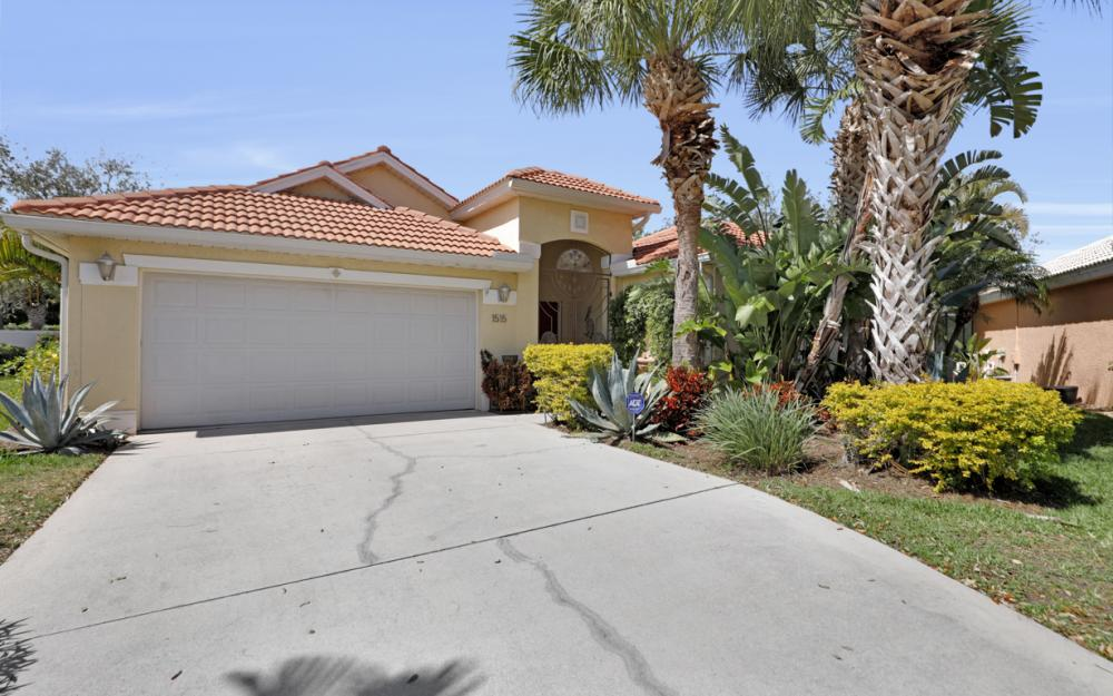1515 Whispering Oaks Cir, Naples - Home For Sale 1649663042