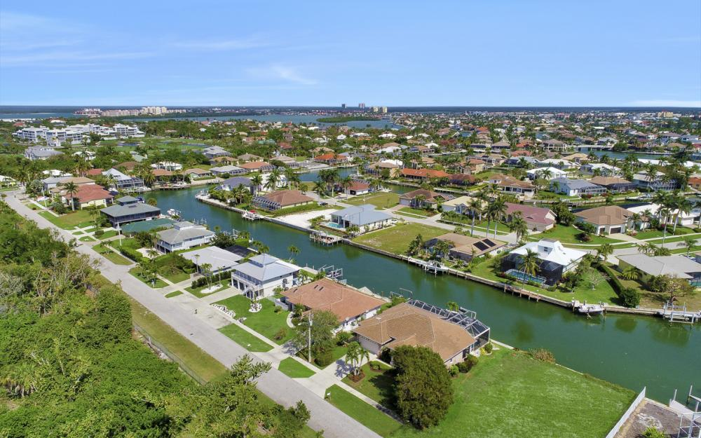 625 Spinnaker Dr, Marco Island - Home For Sale 2064434683