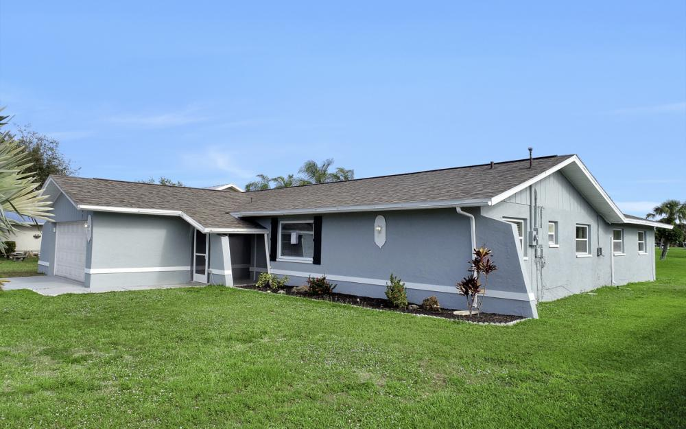 307 SE 10th Terrace, Cape Coral - Home For Sale 86946743
