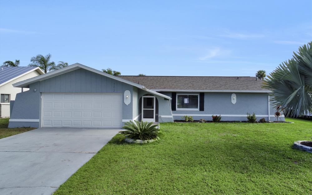 307 SE 10th Terrace, Cape Coral - Home For Sale 521709291