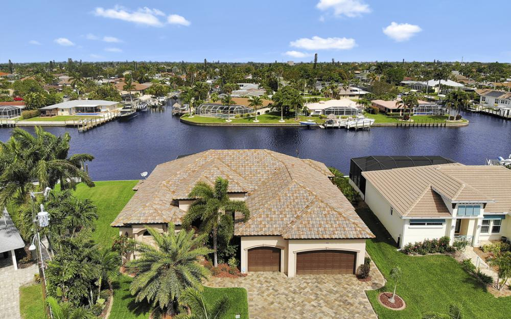 405 Coral Dr, Cape Coral - Home For Sale 157356450