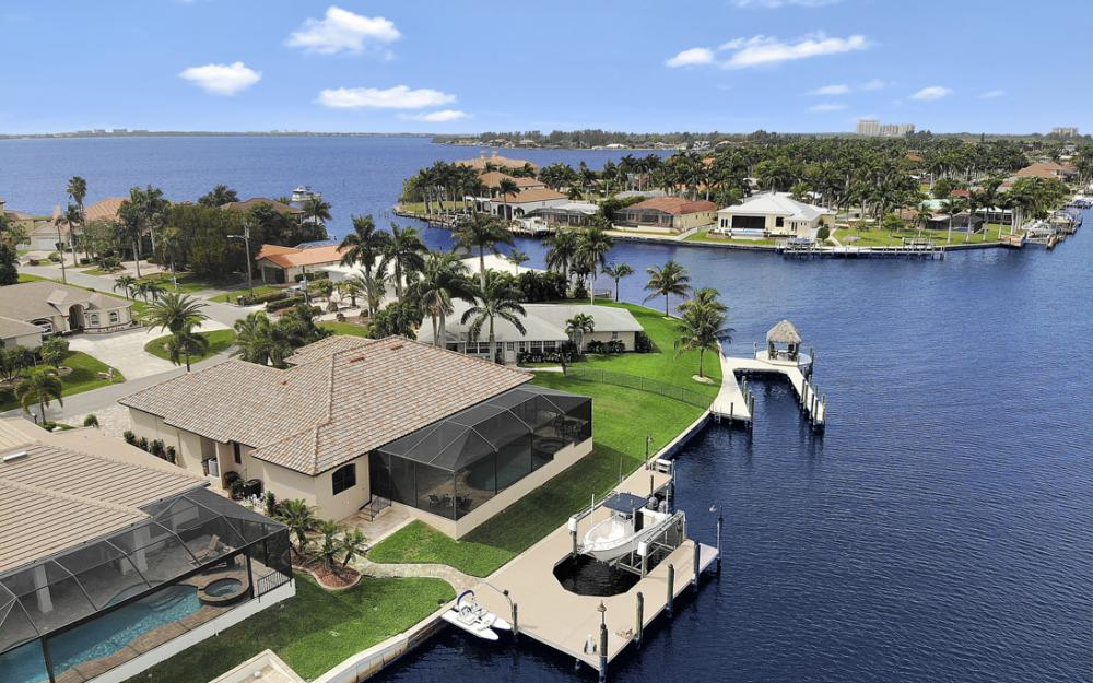 405 Coral Dr, Cape Coral - Home For Sale 2051954155