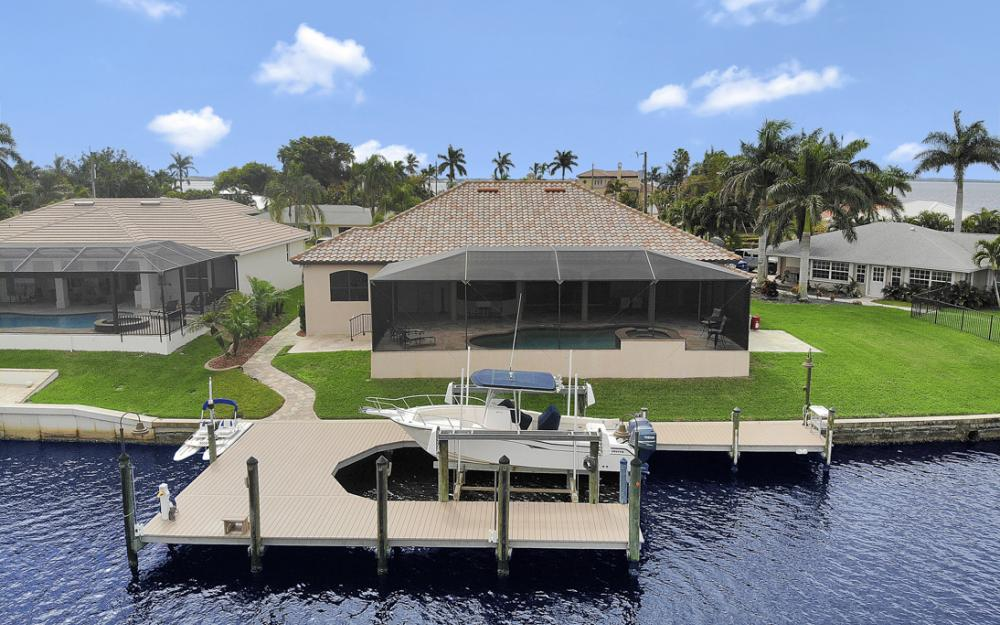 405 Coral Dr, Cape Coral - Home For Sale 742840047