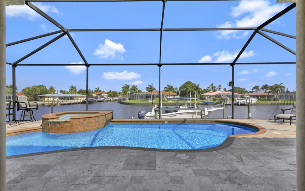 405 Coral Dr, Cape Coral - Home For Sale 81607777