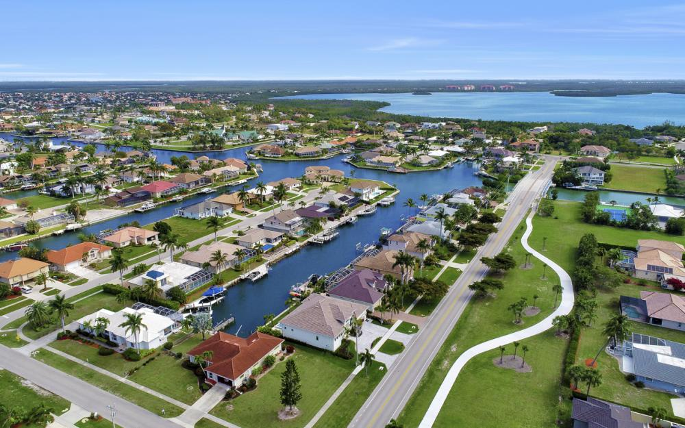 1610 Winterberry Dr, Marco Island - Home For Sale 339467065