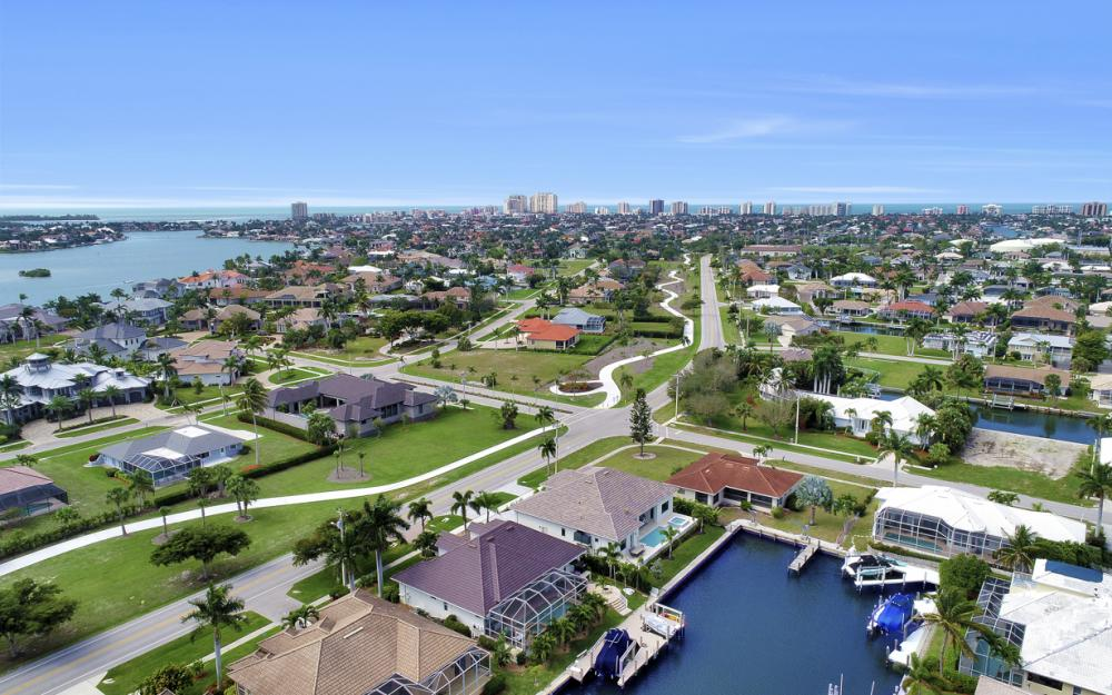 1610 Winterberry Dr, Marco Island - Home For Sale 316599955
