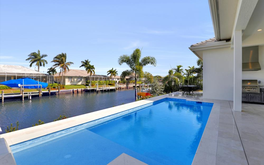 1610 Winterberry Dr, Marco Island - Home For Sale 98033539