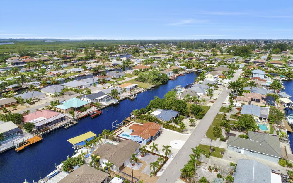 12179 Boat Shell Dr, Matlacha Isles - Home For Sale 187630771