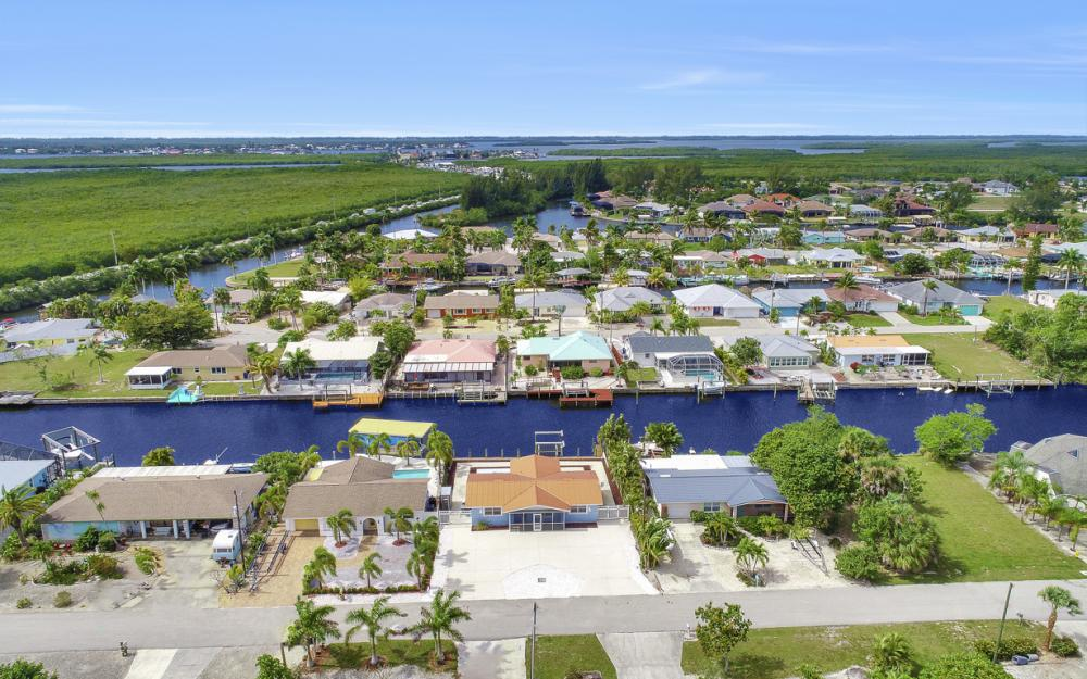 12179 Boat Shell Dr, Matlacha Isles - Home For Sale 930639523