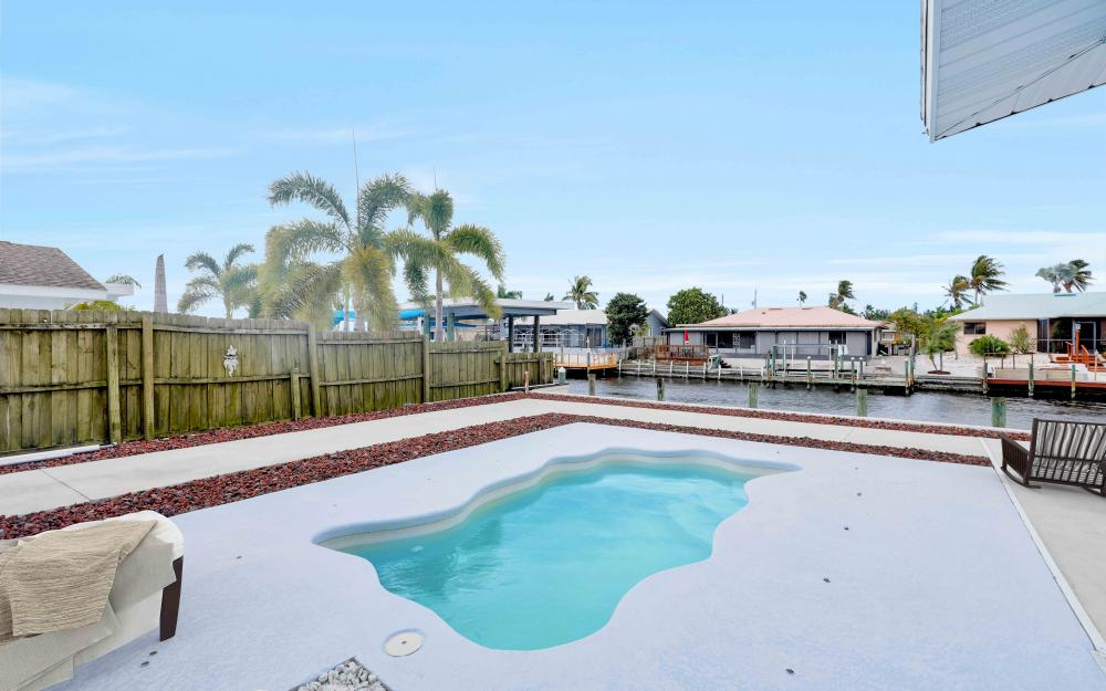 12179 Boat Shell Dr, Matlacha Isles - Home For Sale 283683101