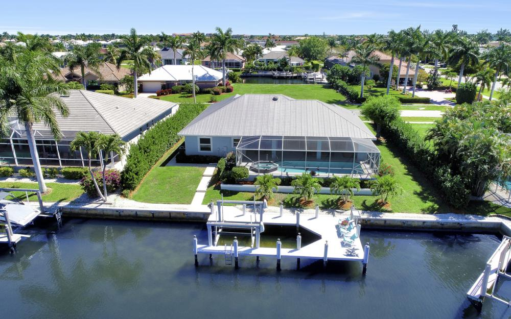 20 Algonquin Ct, Marco Island - Home For Sale 1027066627