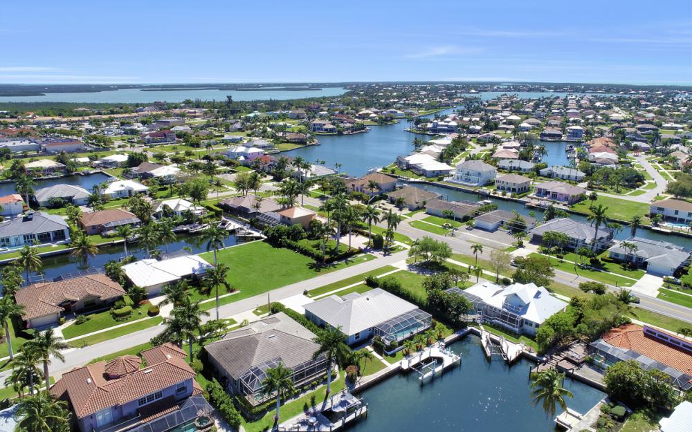 20 Algonquin Ct, Marco Island - Home For Sale 2063961960