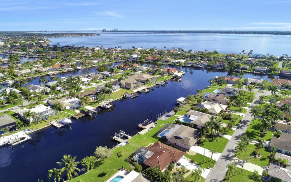 1933 SE 36th St, Cape Coral - Home For Sale 699287808