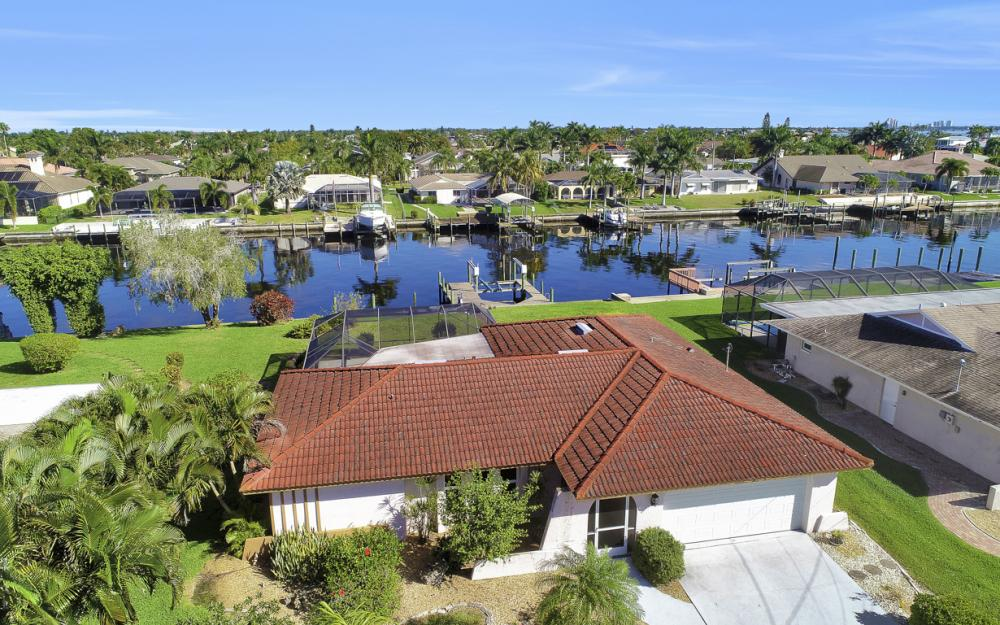 1933 SE 36th St, Cape Coral - Home For Sale 1682041768