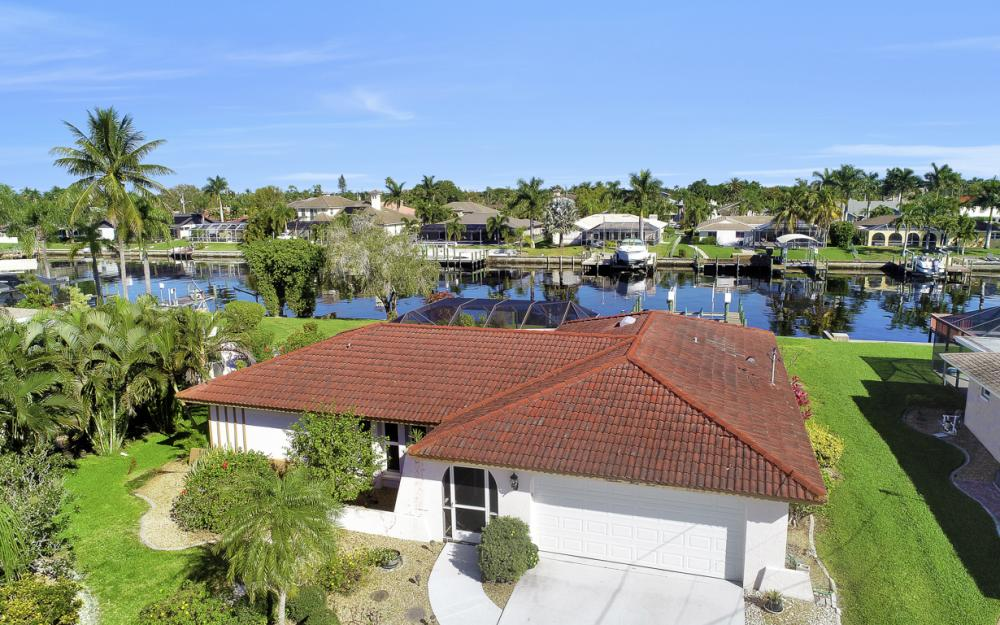 1933 SE 36th St, Cape Coral - Home For Sale 1339922920