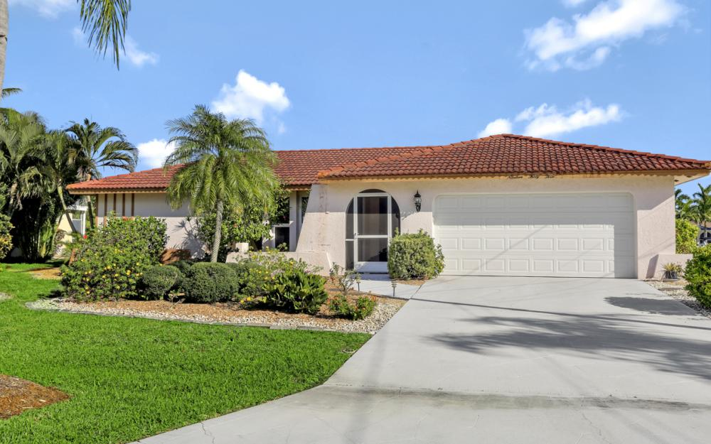 1933 SE 36th St, Cape Coral - Home For Sale 852412627