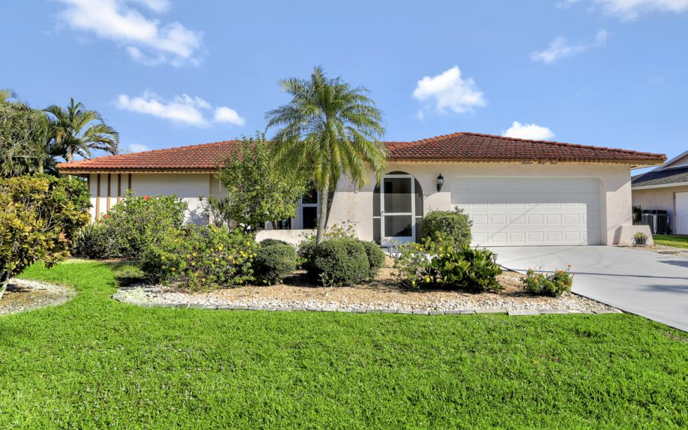 1933 SE 36th St, Cape Coral - Home For Sale 1079323087