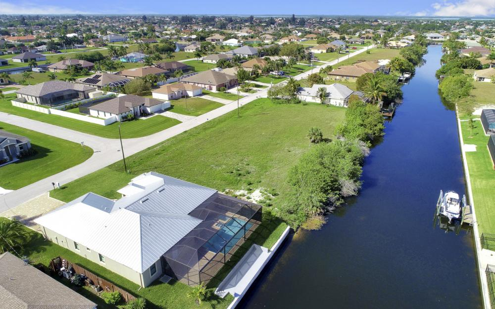 2127 SW 28th Ter, Cape Coral - Home For Sale 953541083