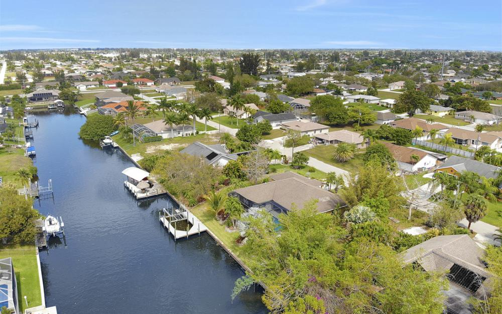 3302 SW 1st Pl, Cape Coral - Home For Sale 1897830309