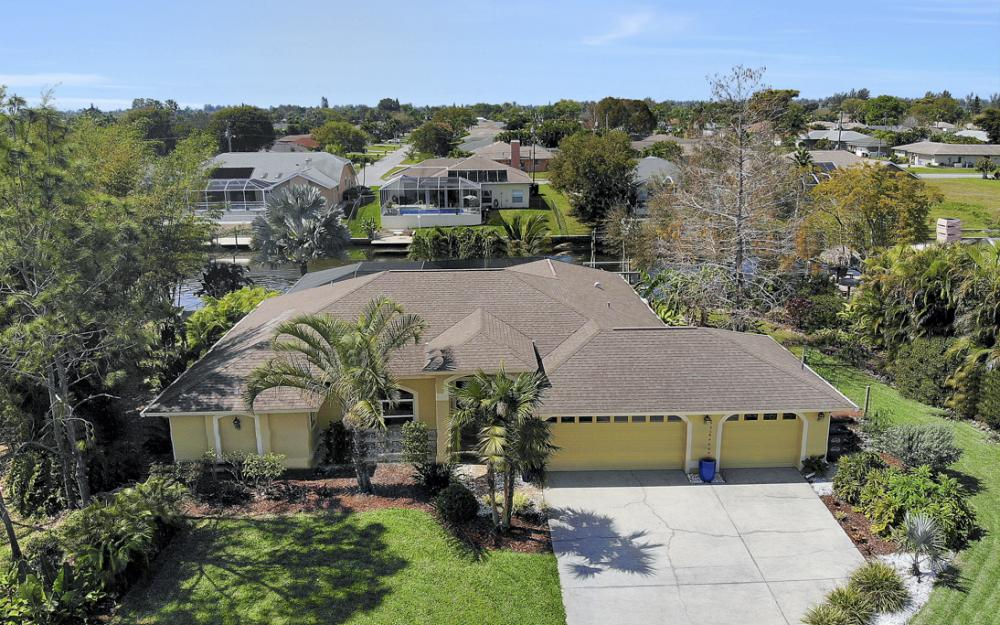 3302 SW 1st Pl, Cape Coral - Home For Sale 399182941