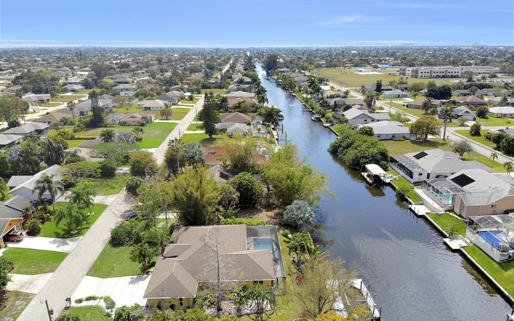 3302 SW 1st Pl, Cape Coral - Home For Sale 1841618725
