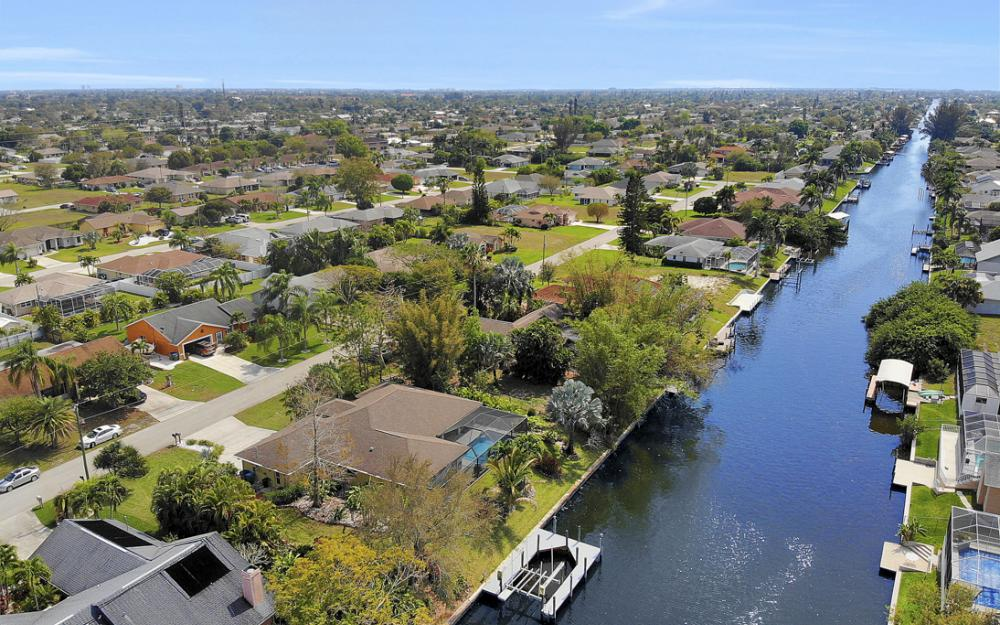 3302 SW 1st Pl, Cape Coral - Home For Sale 647770959