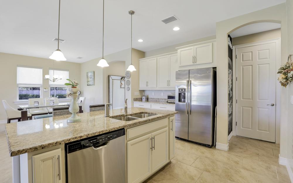 12631 Blue Banyon Ct, North Fort Myers - Home For Sale 1038248340